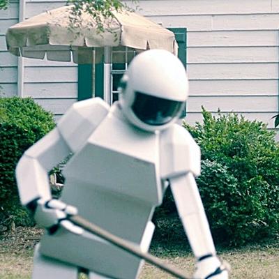 12.robot-frank-gardening