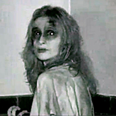 20..grave-encounters-ghost