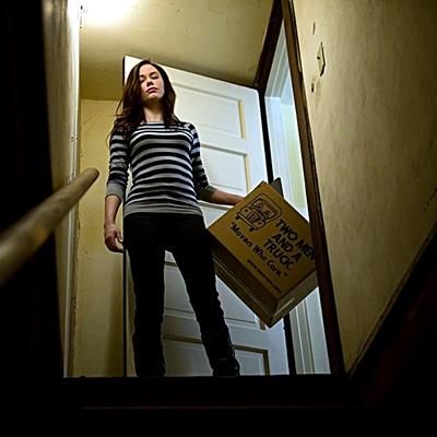 3-Rose-McGowan-in-Rosewood-Lane-2011-optimisation-google-image-wordpress