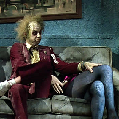 13-beetlejuice-winona-rider-1988-tim-burton-michael-keaton-optimisation-image-google-wordpress