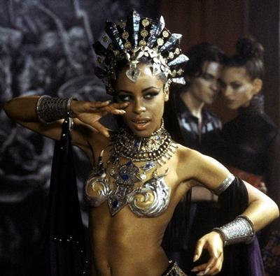 3-la-reine-des-damnés-aaliyah-stuart-townsend-2002-optimisation-google-image-wordpress