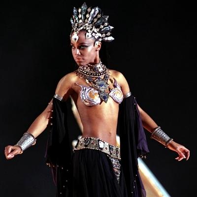 5-la-reine-des-damnés-aaliyah-stuart-townsend-2002-optimisation-google-image-wordpress