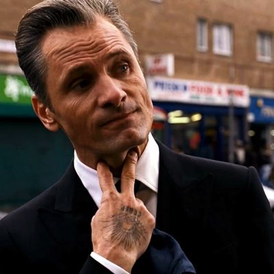 Viggo Mortensen covered in tattoos as a crime boss in new movie with Naomi Watts