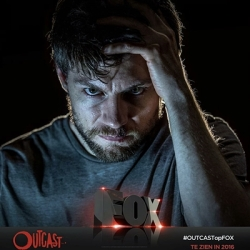 1-outcast-serie-petitsfilmsentreamis.net-optimisation-image-google-wordpress