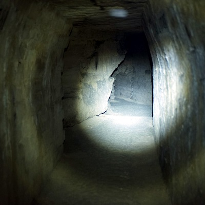 17-catacombes-film-2014-petitsfilmsentreamis.net-abbyxav-optimisation-google-image-wordpress
