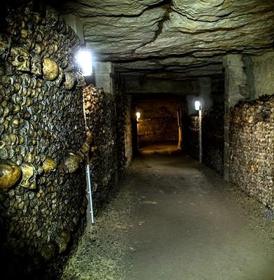 9-catacombes-film-2014-petitsfilmsentreamis.net-abbyxav-optimisation-google-image-wordpress