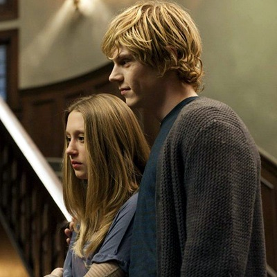 evan peters et taissa