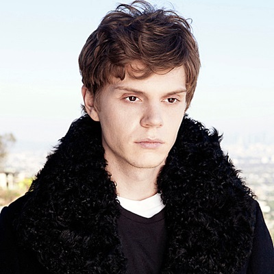 15-evan-peters-petitsfilmsentreamis.net-abbyxav-optimisation-google-image-wordpress