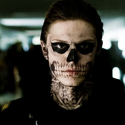 17-evan-peters-american-horror-story-1-petitsfilmsentreamis.net-abbyxav-optimisation-google-image-wordpress