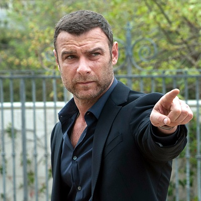 11-Ray-Donovan-series-liev-schreiber-petitsfilmsentreamis.net-abbyxav-optimisation-image-google-wordpress