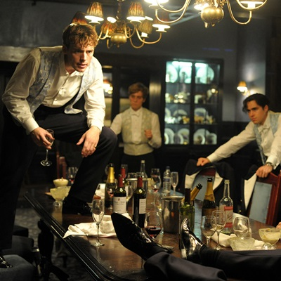 14_the-riot-club-2014-max-irons-petitsfilmsentreamis.net-abbyxav-optimisation-image-google-wordpress