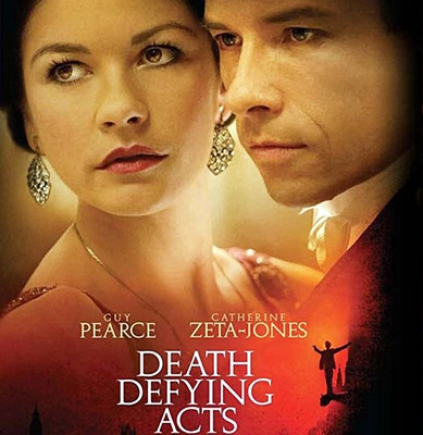 11-Au_dela_de_l_illusion-death-defying-acts-guy-pearce-petitsfilmsentreamis.net-abbyxav-optimisation-image-google-wordpress