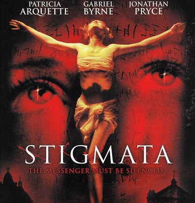 1-stigmata-gabriel-byrne-patricia-arquette-petitsfilmsentreamis.net-abbyxav-optimisation-image-google-wordpress