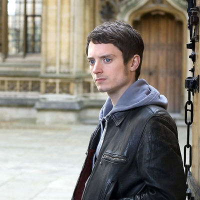 13-crimes-à-oxford-elijah-wood-john-hurt-petitsfilmsentreamis.net-abbyxav-optimisation-image-google-wordpress