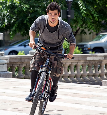 13-tracers-taylor-lautner-adam-rayner-petitsfilmsentreamis.net-abbyxav-optimisation-image-google-wordpress.