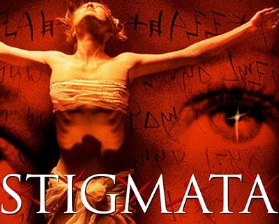 22-stigmata-gabriel-byrne-patricia-arquette-petitsfilmsentreamis.net-abbyxav-optimisation-image-google-wordpress