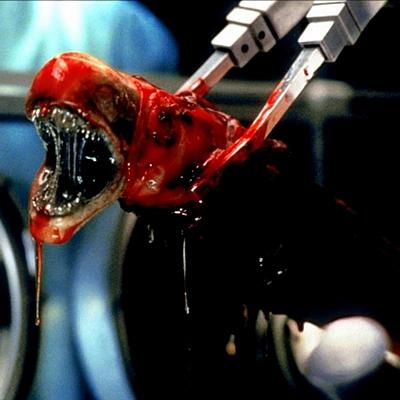 11-Alien-Resurrection-sigourney-weaver-petitsfilmsentreamis.net-abbyxav-optimisation-image-google-wordpress