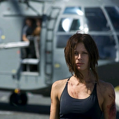 14-doomsday-rhona-mitra-petitsfilmsentreamis.net-abbyxav-optimisation-image-google-wordpress