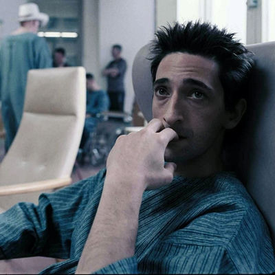 2-the-jacket-adrien-brody-film-petitsfilmsentreamis.net-abbyxav-optimisation-image-google-wordpress