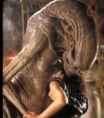 3-Alien-Resurrection-sigourney-weaver-petitsfilmsentreamis.net-abbyxav-optimisation-image-google-wordpress