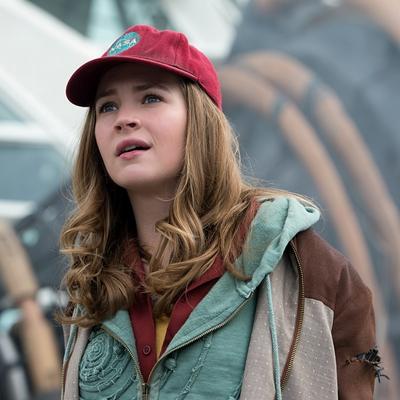 Casey (Britt Robertson)
