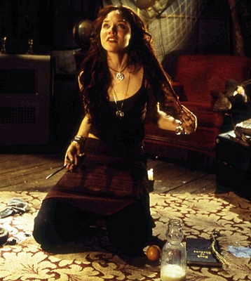 Erica Leerhsen in Book of Shadows: Blair Witch 2.
