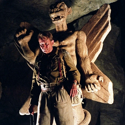 3-l-exorciste-au-commencement-skarsgard-d-arcy-petitsfilmsentreamis.net-abbyxav-optimisation-image-google-wordpress