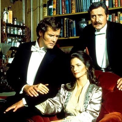 avec Roger Moore et Charlotte Rampling