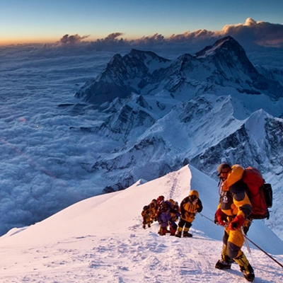 15-everest-film-gyllenhaal-worthington-petitsfilmsentreamis.net-abbyxav-optimisation-image-google-wordpress