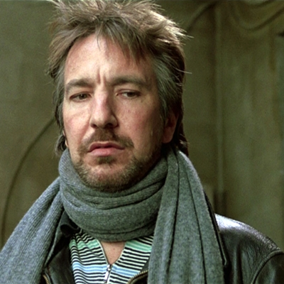 2-l-homme-du-calendrier-alan-rickmann-petitsfilmsentreamis.net-optimisation-image-google-wordpress