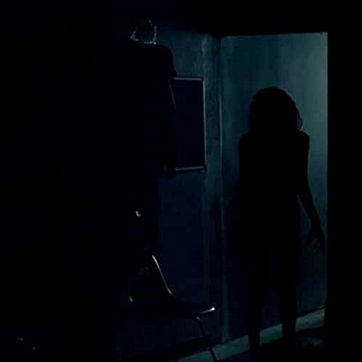 10-lights_out__2016__movie_petitsfilmsentreamis-net-optimisation-image-google-wordpress