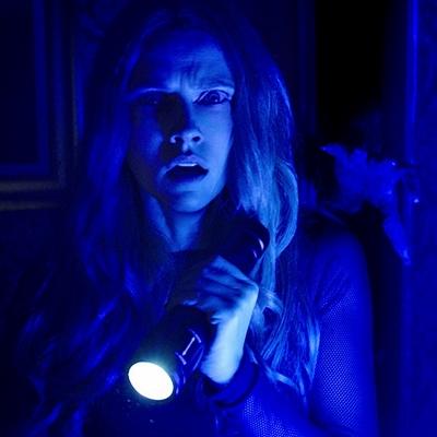 6-lights_out__2016__movie_petitsfilmsentreamis-net-optimisation-image-google-wordpress